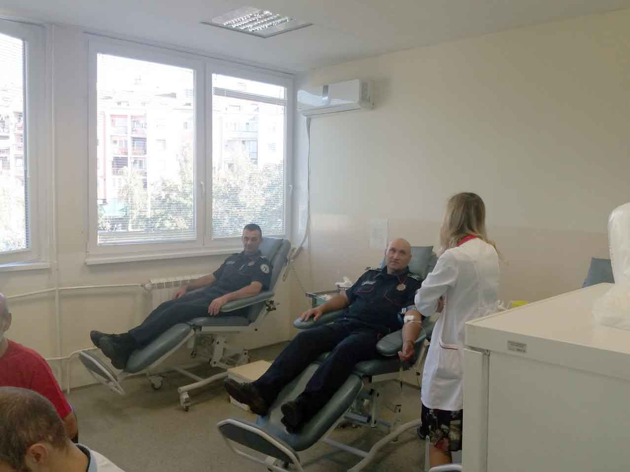 "Aktivnost članova Kluba dobrovoljnih davalaca krvi ,,Perjanik"""