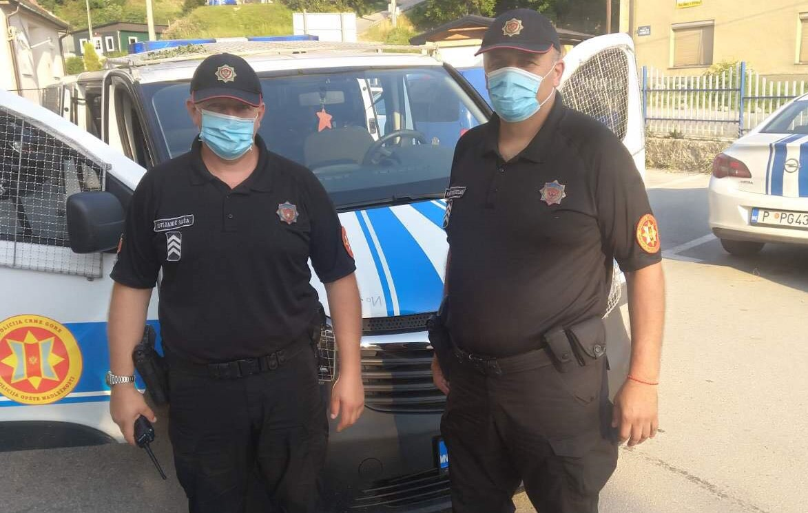 Naša Sekcija je nastavila sa preventivnom akcijom podrške našim službenicima kroz obezbeđenje maski za zaštitu od širenja virusa Covid 19.